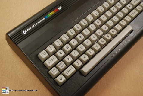 Commodore16_017